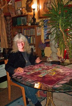 Astrologer - Tarot Reader